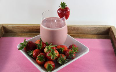 Peanut Butter and Strawberry Smoothie