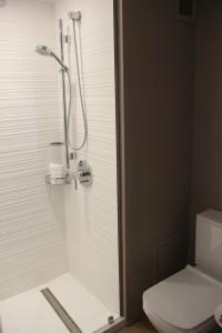 AC Guest Shower