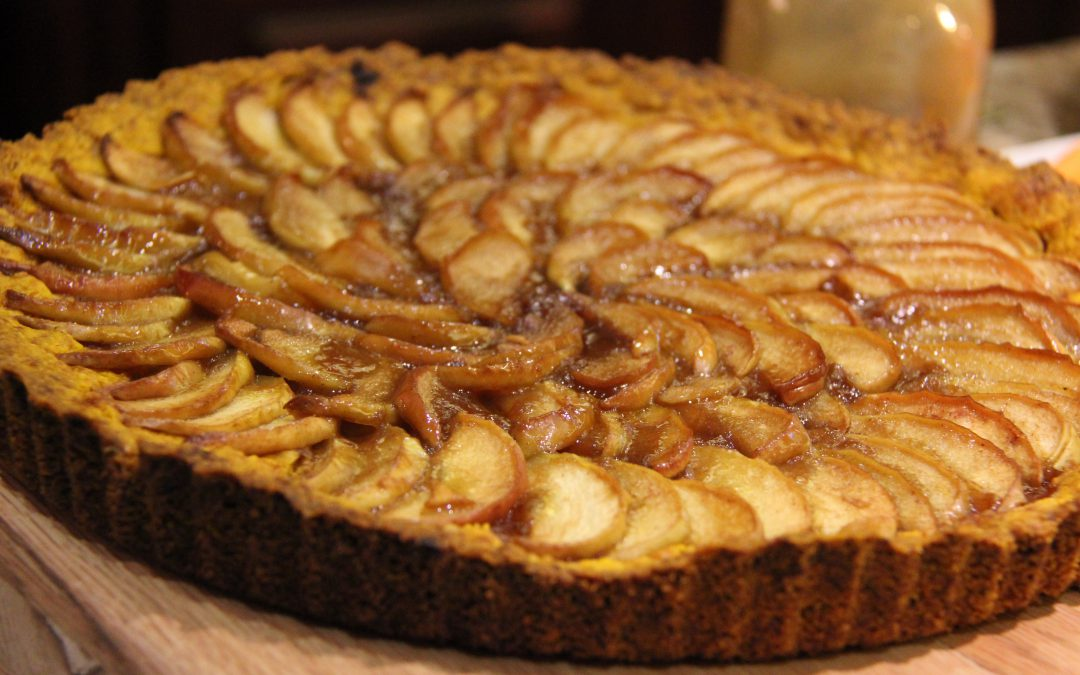 Healthy Apple Tart with Caramel Sauce – Gluten Free