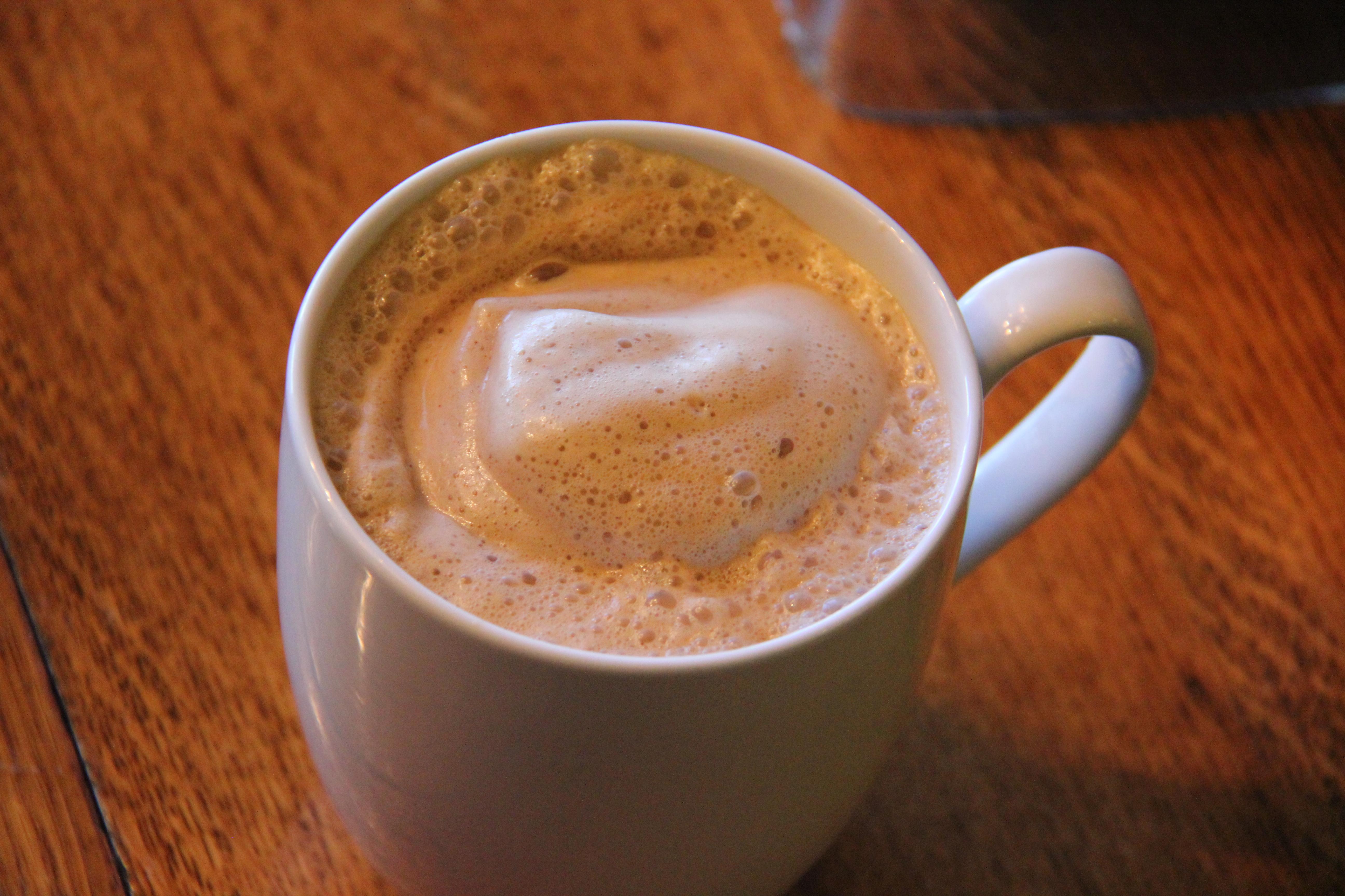 Almond Date Latte